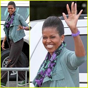 Michelle Obama: Eiffel Tower Power