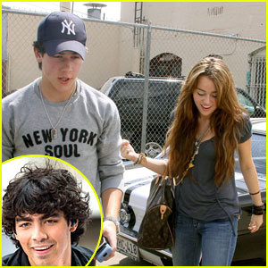 Is mley cyrus and nick jonas dating