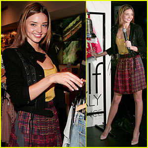 Miranda Kerr: No Engagement Ring!