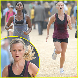 Reese Witherspoon Hits The National Mall