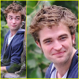 Robert Pattinson Doesn't Think He's Attractive