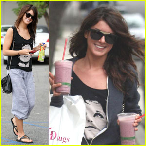 Shenae Grimes is a Smooth Operator
