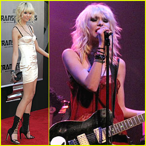 Taylor Momsen is Pretty Reckless