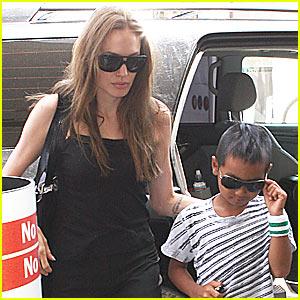 Angelina Jolie Heads To Arab Children's Congress