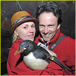 Anna Paquin & Stephen Moyer: Seaworld Sweethearts