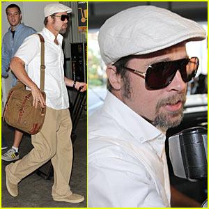 Brad Pitt Flies Air France