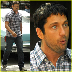 Old Man Bulge http://www.justjared.com/2009/07/13/gerard-butler-bulges-eyes/