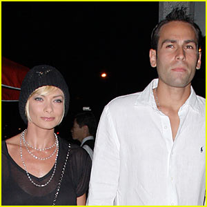 Jaime Pressly: Engaged to Simran Singh!