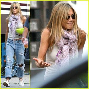 Gerard Butler on Jennifer Aniston: Embrace The Rumor!