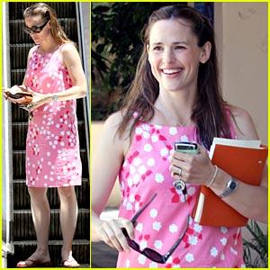 Jennifer Garner: Pink Explosion!