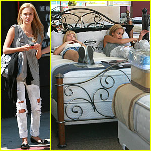Jessica Alba:  The Mattress Professional