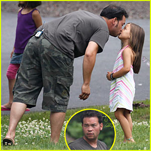 Jon Gosselin: Scavenger Hunt Kiss