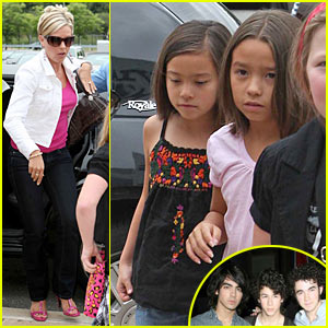 Kate Gosselin Attends Jonas Brothers Concert