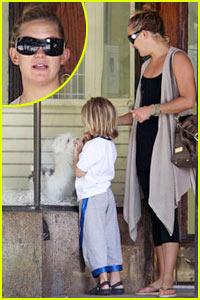 Kate Hudson: Haute Diggity Dog