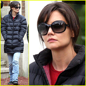 Katie Holmes Blacks Out