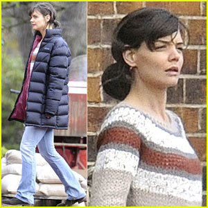 Katie Holmes is a Ladder Lady