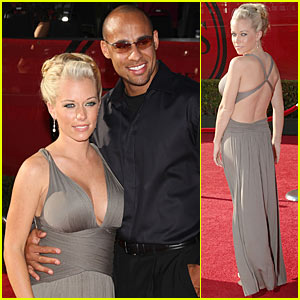 Kendra Wilkinson: ESPY Awards Baby Bump!