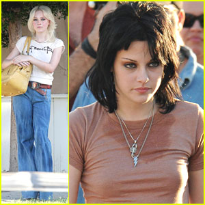 Kristen Stewart & Dakota Fanning: 'Runaways' Runs On