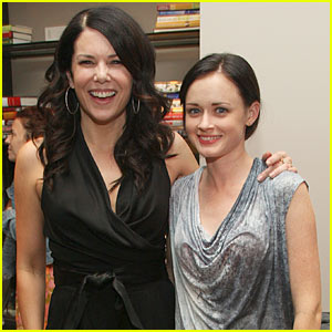 Alexis Bledel & Lauren Graham: Gilmore Girls Reunion!