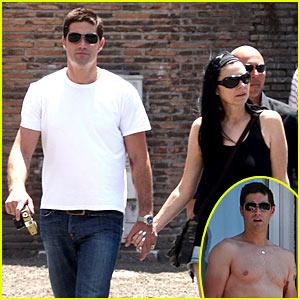 Matthew Fox is Shirtless