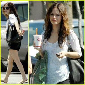 Rachel Bilson: The Juice is Loose