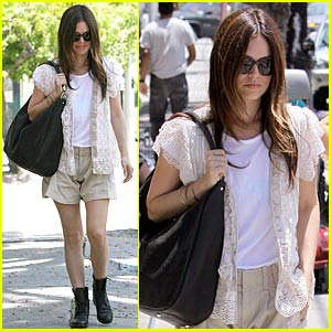 Rachel Bilson Downs Little Dom's