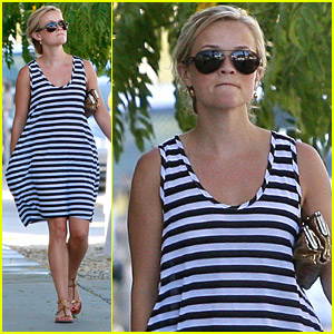Reese Witherspoon is a Swift Shopper