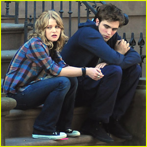 Robert Pattinson & Emilie de Ravin: 'Sweet' On Set