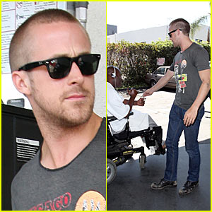 Ryan Gosling Helps The Homeless