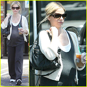 Sarah Michelle Gellar is Pilates Pretty
