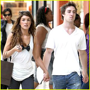Ethan Rapoport-Cole: Shenae Grimes' Boyfriend!