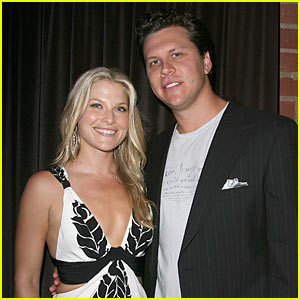 Ali Larter: Wedding Details!