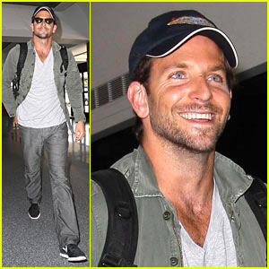 Bradley Cooper Flies Virgin America