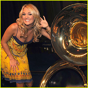 Carrie Underwood Donates Instruments To Checotah High School