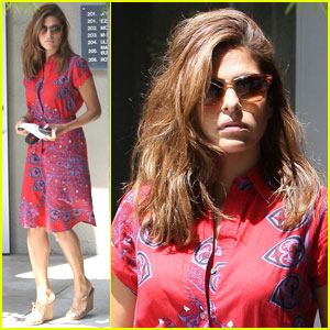 Eva Mendes is Port of Call Pretty