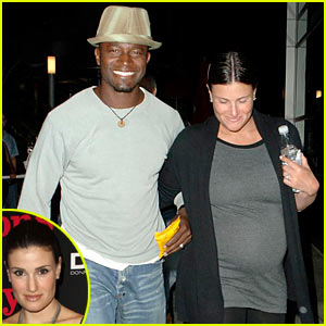 Idina Menzel is Pretty Pregnant
