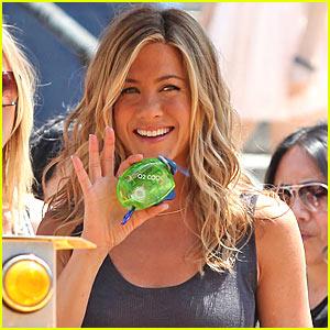 Jennifer Aniston To Sing In 'Goree Girls'