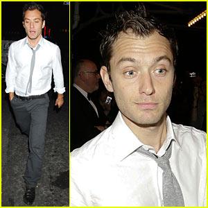 Jude Law Sticks To the Status 'Quo Vadis'