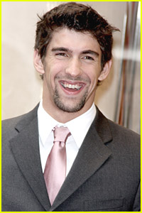 Michael Phelps Unscathed After Car Crash