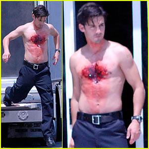 Milo Ventimiglia: Bloody Shirtless!