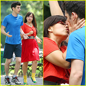 Ugly Betty's Kisses Up In Central Park