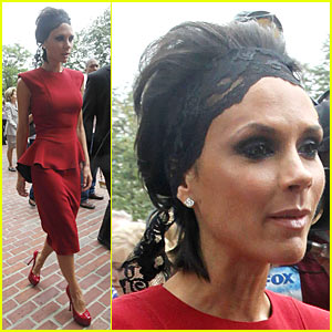 Victoria Beckham: Lace Headband Hottie