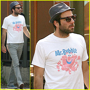Zachary Quinto is Mr. Bubble