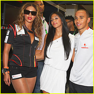 Beyonce & Nicole Scherzinger: Grand Prix Pretty