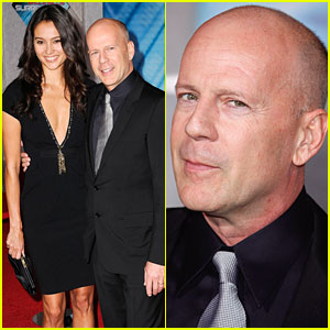 Bruce Willis is Striking at the 'Surrogates' Premiere