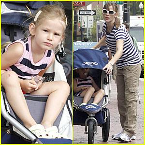 Jennifer Garner: Boston Babe