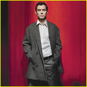 Jude Law: You Don't Play Hamlet, Hamlet Plays You