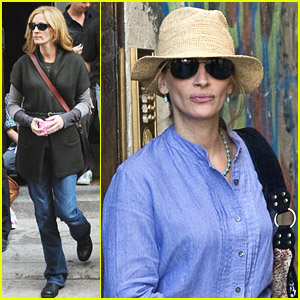 Julia Roberts films scenes for her latest movie, Eat, Pray, Love in