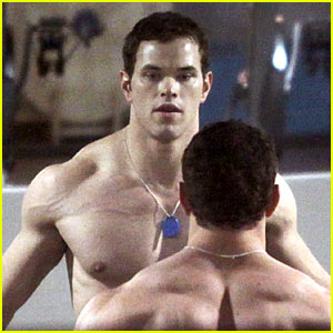 Kellan Lutz Works It Out