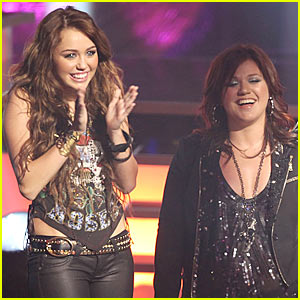 Kelly Clarkson Covers Miley Cyrus'